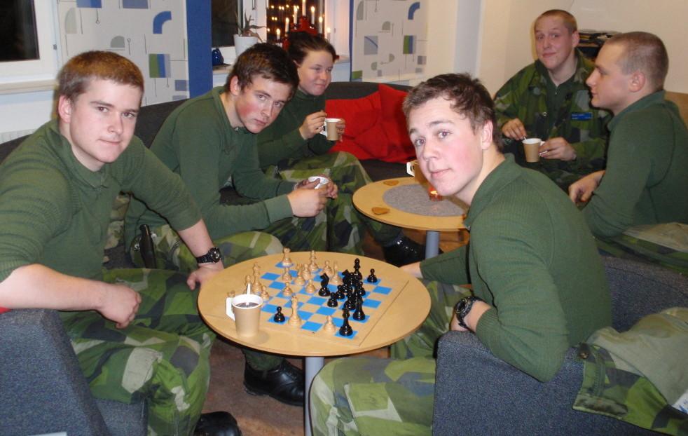 Soldater fikar