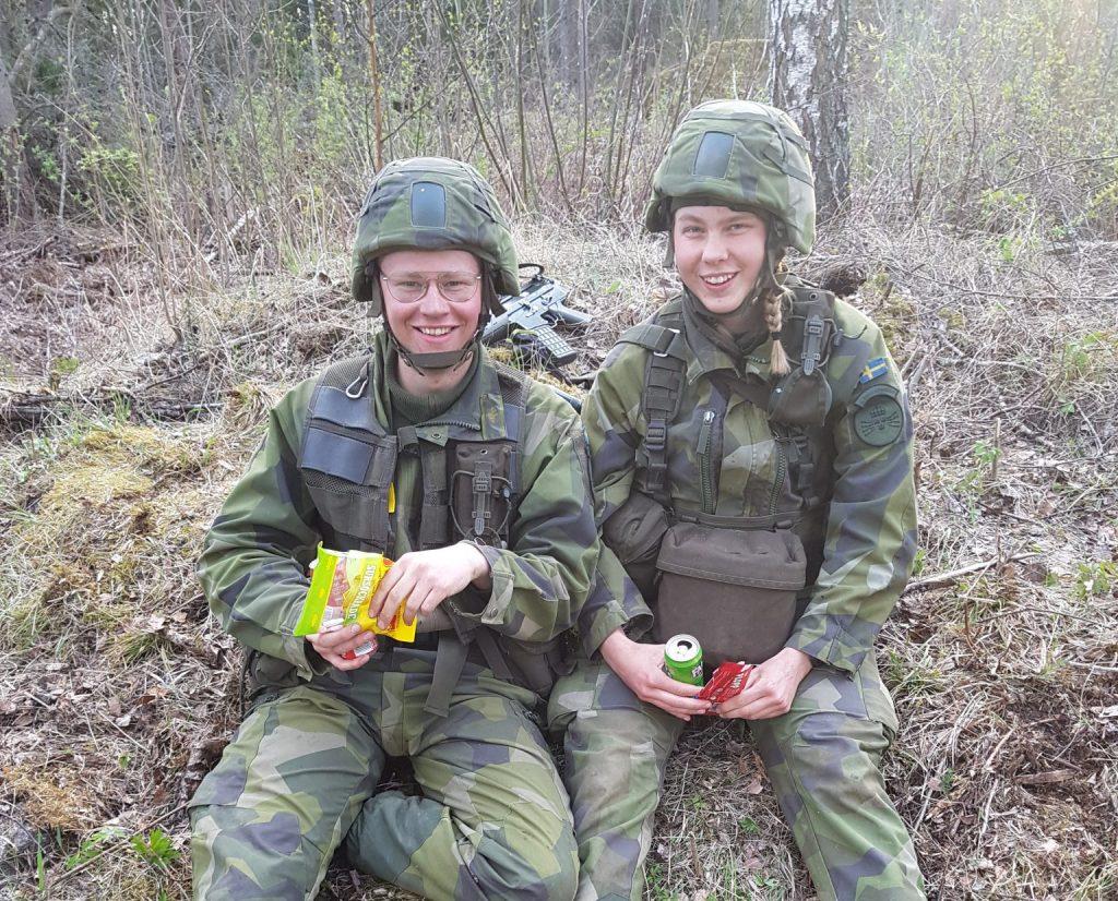 Besök våra soldathem på sociala media